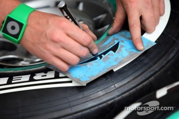 Tyre marker Sahara Force India Formula One Team Michael Schumacher, Mercedes GP