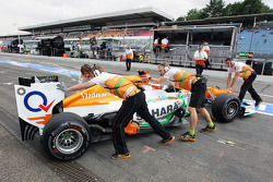 Jules Bianchi, Sahara Force India F1 Team Third Driver pushed back in the pits