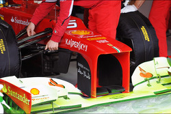 Flow-vis paint on the Ferrari front wing of Fernando Alonso (ESP)