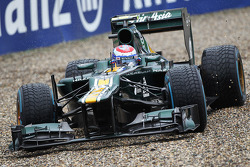 Vitaly Petrov, Caterham runs wide into the gravel trap