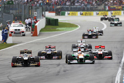 Kimi Raikkonen, Lotus F1 leads Paul di Resta, Sahara Force India Lewis Hamilton, McLaren and Daniel Ricciardo, Scuderia Toro Rosso