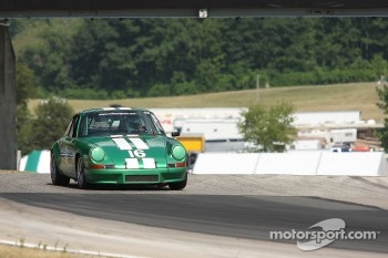 #16 1972 Porsche 911E: Steve Grundahl