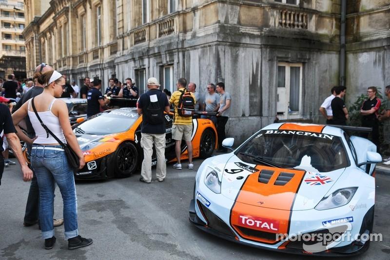 #9 Gulf Racing UK McLaren MP4-12C GT3: Mike Wainwright, Rob Bell, Andy Meyrick