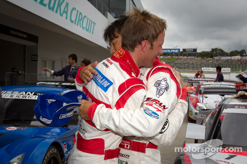 GT500 pole winners Ronnie Quintarelli and Masataka Yanagida celebrate