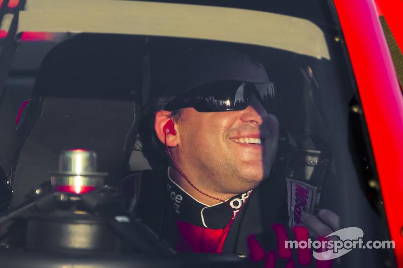 Pole winner Tony Stewart, Stewart-Haas Racing Chevrolet