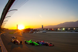 Sebastian Saavedra, AFS Racing/Andretti Autosport Chevrolet, James Hinchcliffe, Andretti Autosport Chevrolet, Graham Rahal, Service Central Chip Ganassi Racing Honda