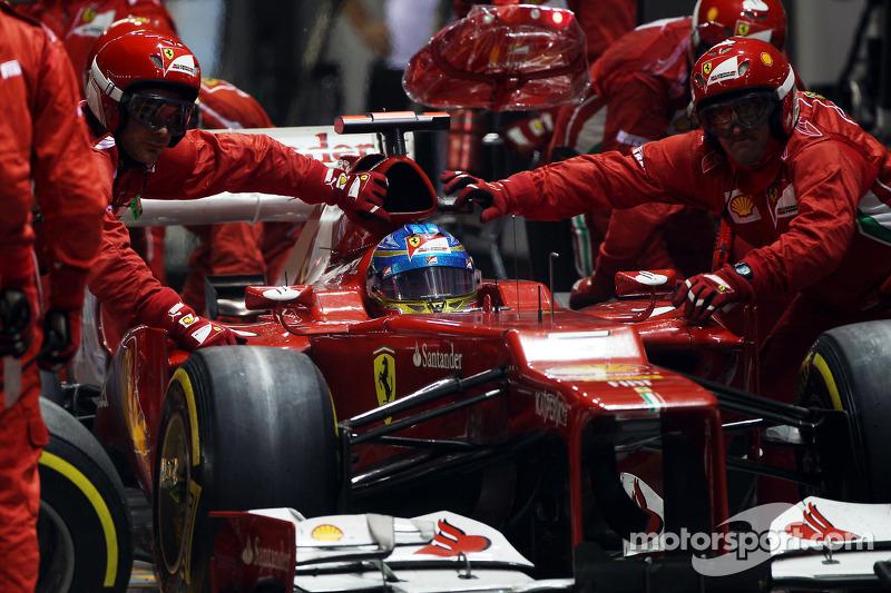 Fernando Alonso, Ferrari makes a pit stop