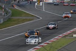 #83 SMG Challenge Porsche 997 GT3 R: Nicolas Armindo, Eric Clement, Olivier Pla