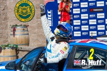 Race winner Robert Huff, Chevrolet Cruze 1.6T, Chevrolet