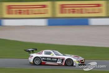 #37 All-Inkl.com Munnich Motorsport Mercedes-Benz SLS AMG GT3: Nicky Pastorelli, Thomas Jger 