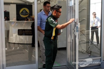 Riad Asmat, Caterham F1 Chief Executive Officer leaves a teams' meeting