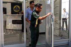 Riad Asmat, Caterham F1 Chief Executive Officer leaves a teams' meeting