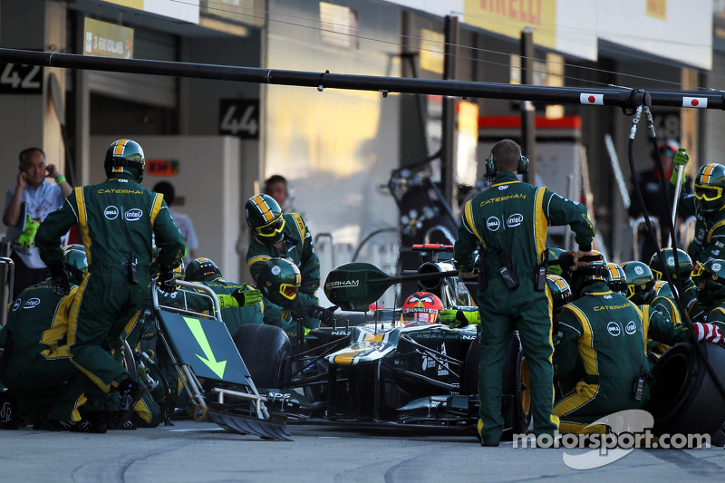 Heikki Kovalainen, Caterham makes a pit stop