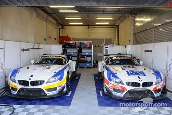 #37 DB Motorsport BMW Z4 GT3: Simon Knap, Andrew Danyliw, Jochen Habets, #36 DB Motorsport BMW Z4 GT3: Jeroen den Boer, Michael Mallock, Nicolaus Mayr-Melnhof