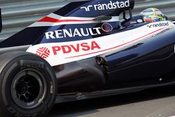 Pastor Maldonado, Williams exhaust detail
