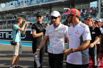 Lewis Hamilton, McLaren and Pedro De La Rosa, HRT Formula 1 Team on the drivers parade