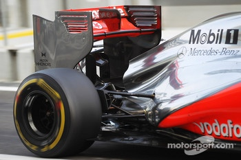 Oliver Turvey, McLaren McLaren Test Driver rear wing and exhaust detail