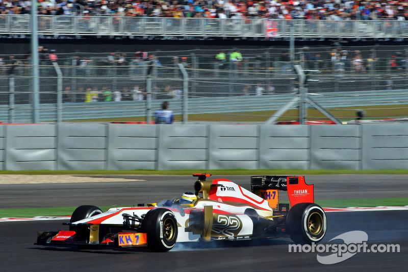 Pedro De La Rosa, HRT Formula 1 Team locks up under braking