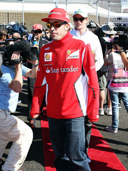 Fernando Alonso, Ferrari on the drivers parade