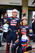 Jean-Eric Vergne, Scuderia Toro Rosso and Daniel Ricciardo, Scuderia Toro Rosso at the Scuderia Toro Rosso team photo