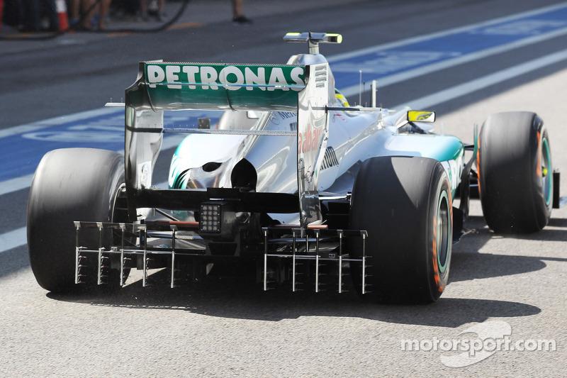 Nico Rosberg, Mercedes AMG F1 running sensor equipment on the rear diffuser