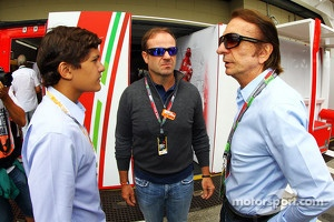 Emerson Fittipaldi, with his grandson Pietro Fittipaldi, and Rubens Barrichello at Interlagos paddock
