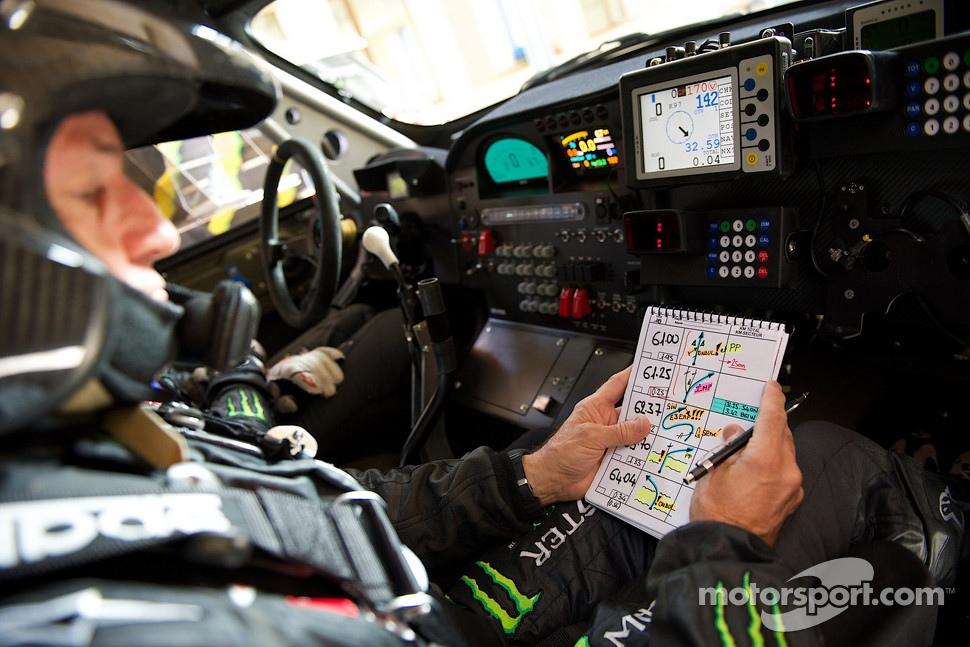 http://cdn-4.motorsport.com/static/img/mgl/1400000/1490000/1494000/1494800/1494884/s1_1.jpg