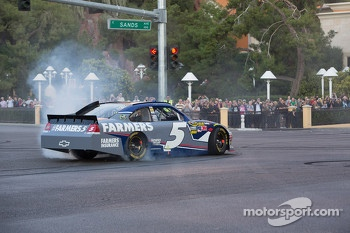 Kasey Kahne does a burnout