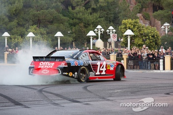 Tony Stewart does a burnout