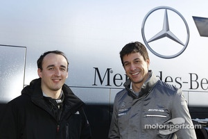 Robert Kubika with Toto Wolff, new shareholder of the Mercedes F1 team, and present in day test.