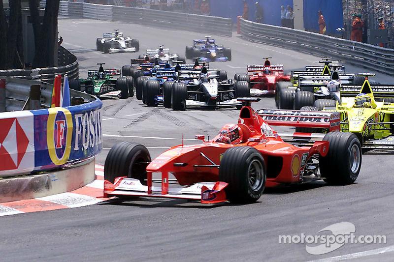 Start: Michael Schumacher leads