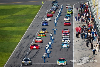 GT cars head to track