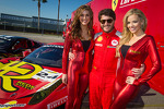 Photoshoot with #24 Auto Gallery Ferrari 458: Carlos Kauffmann and the MOMO girls