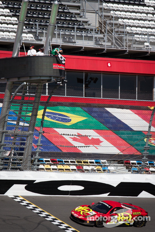 #24 Auto Gallery Ferrari 458: Carlos Kauffmann takes the checkered flag to take the win