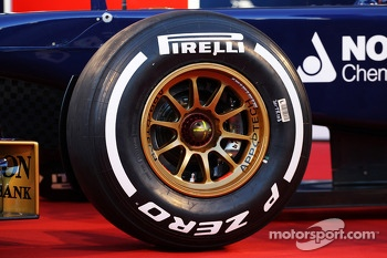 Pirelli tyre on the Scuderia Toro Rosso STR8