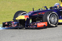 Sebastian Vettel, Red Bull Racing RB9 front wing