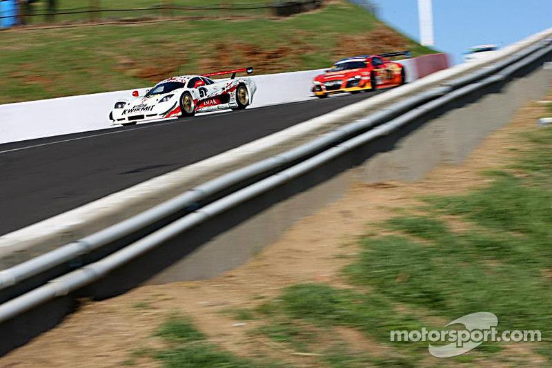 #51 Mosler MT900 GT3: Andrew MacPherson, Ben Porter, Garth Walden