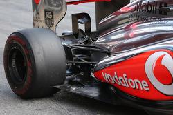 McLaren MP4-28 rear suspension detail