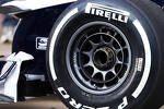 Williams FW35 wheel detail