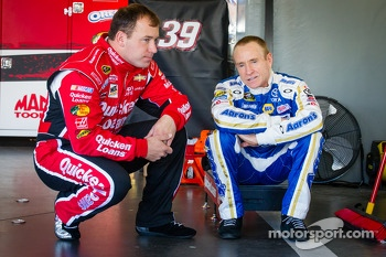 Ryan Newman, Stewart-Haas Racing Chevrolet and Mark Martin, Michael Waltrip Racing Toyota
