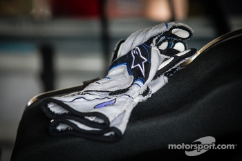 Gloves of Jimmie Johnson, Hendrick Motorsports Chevrolet