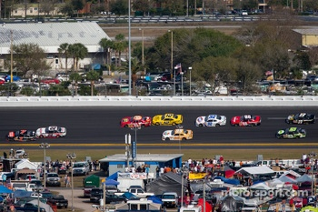 Regan Smith and Brad Keselowski lead the field on the last lap