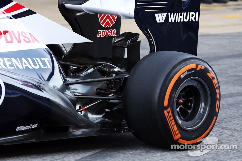 Williams FW35 rear suspension