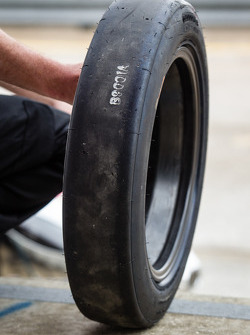 Front Bridgestone tire for the #0 DeltaWing Racing Cars DeltaWing LM12 Elan