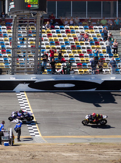 Cameron Beaubier, Yamaha takes the checkered flag