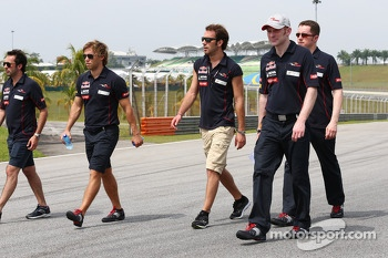 Jean-Eric Vergne, Scuderia Toro Rosso walks the circuit