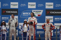 Podium 2nd Michel Nykjaer, NIKA Racing Chevrolet Cruze 1.6 T, 1st Yvan Muller, RML Chevrolet Cruze 1.6 T, 3rd Gabriele Tarquini, Castrol Honda World Touring Car Team Honda Civic