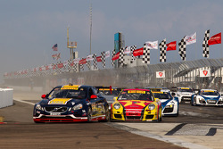 PWC: Start: Alex Figge leads Ryan Dalziel