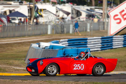 #250 1961 Daimler SP250: Larry Ligas