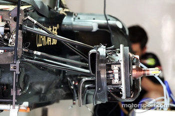 Lotus F1 E21 front suspension and brake